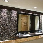 Modern bathroom with pebble backsplash